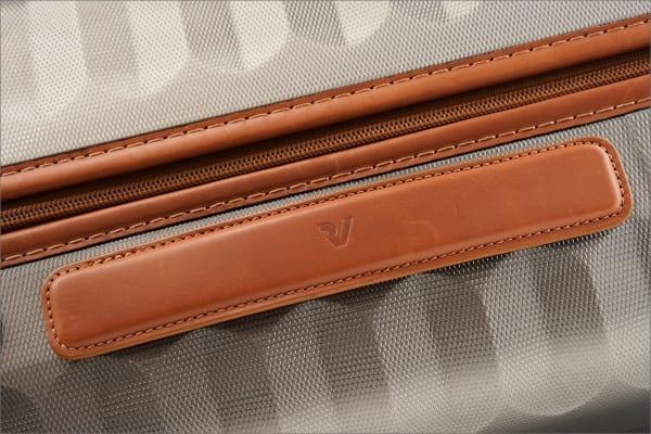 ロンカートのエレガントなスーツケース E-LITEシリーズのイタリアンレザーハンドル